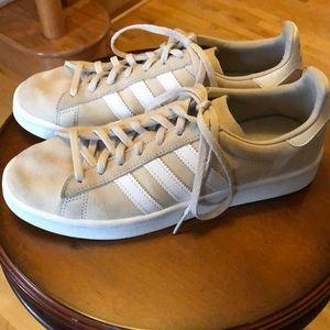 Adidas tan & white shoes size 8